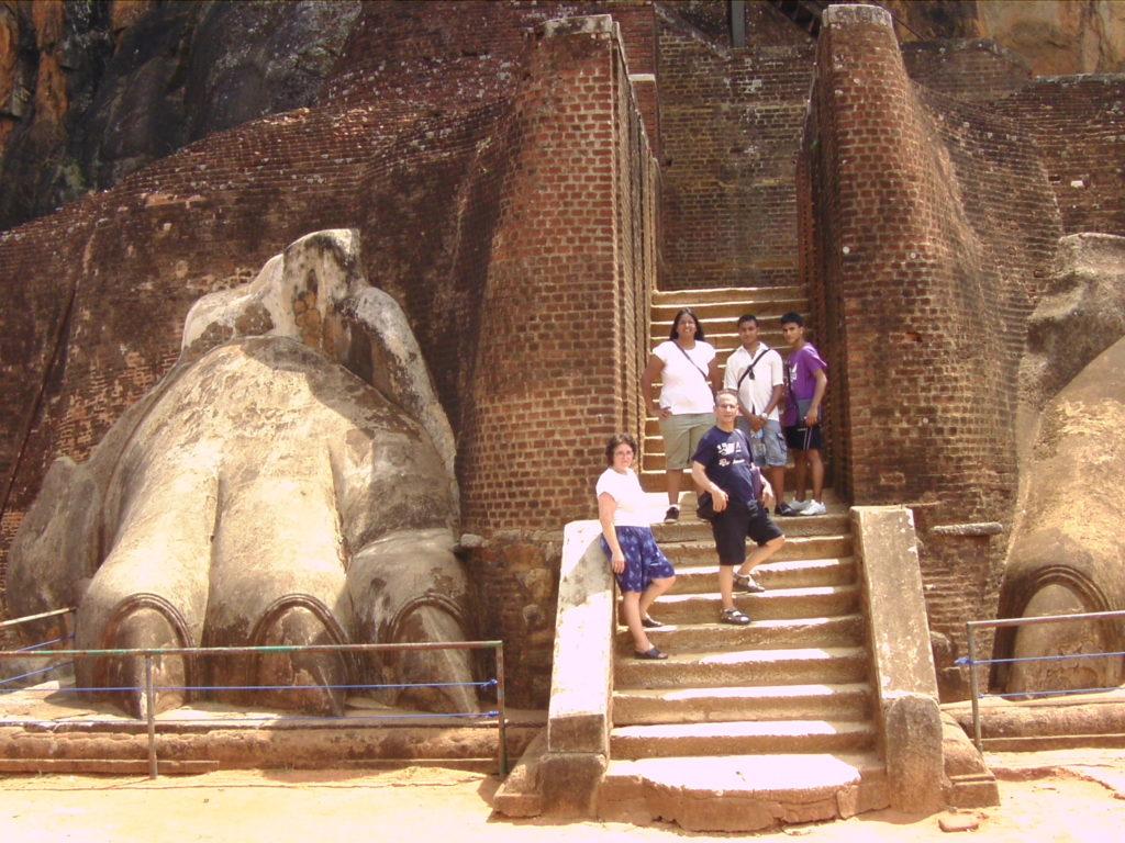 Familien mit kindern Reisen,  Singles mit kind, Paare, Alleinreisenden Damen & Herrn www.ferien.lk