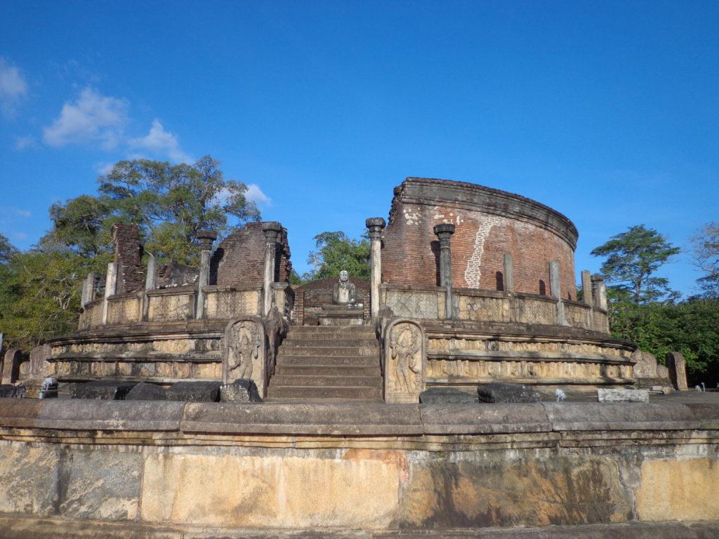 Anuradhapura, Polonnaruwa   Sri Lanka Reise  Erfahrungen  über 25 jahren www.ferien.lk
